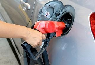 近所のエネオスで給油